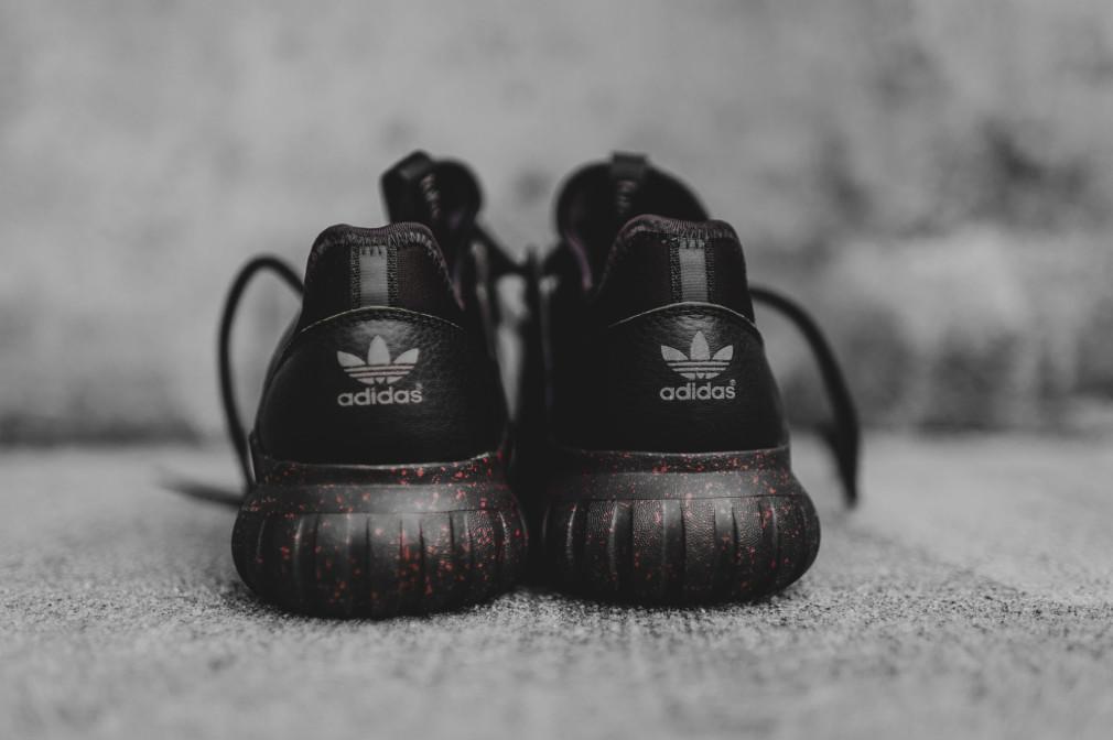 AQ2811-adidas-tubular-radial-black-burgundy-5-1010x672