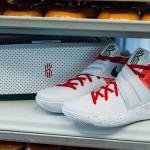 """15 đôi sneaker được """"hóng"""" nhất tháng 5/2016 (Phần 2)"""