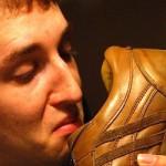 Tip khử mùi giày thể thao đơn giản vào mùa hè?