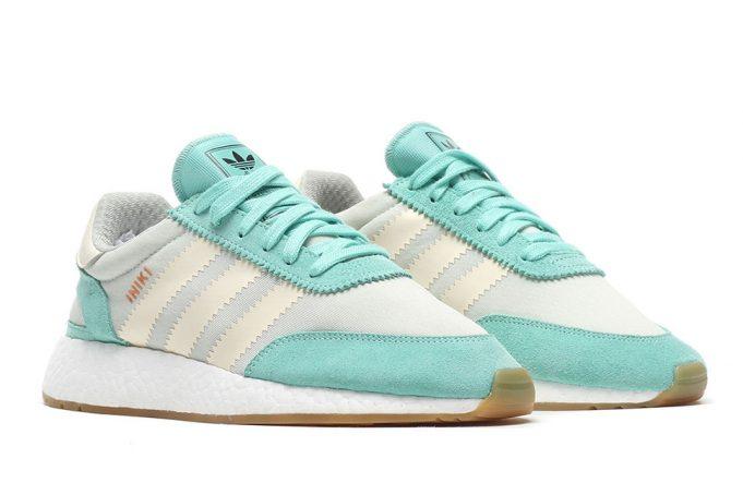 Giày adidas Iniki Runner Boost ra mắt hai phối màu mới