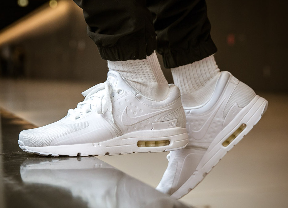 nike-air-max-zero-triple-white
