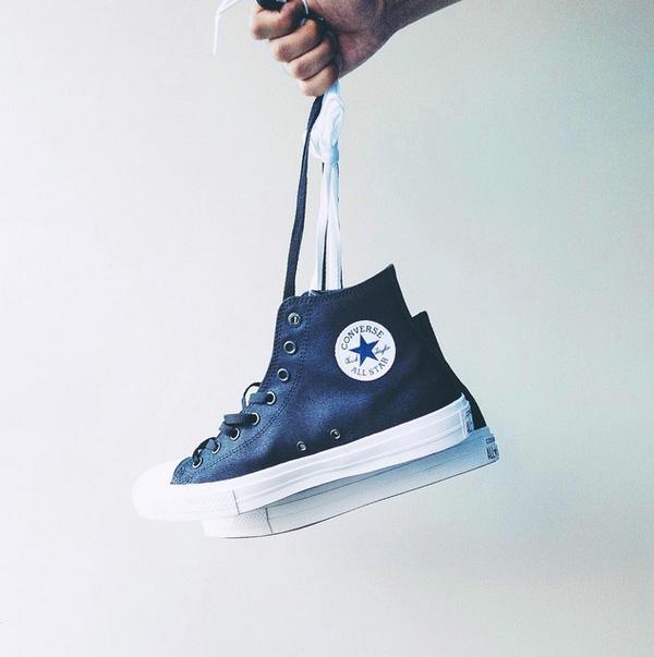 Các cách tìm kiếm thông tin về giày chính hãng hiệu quả nhất